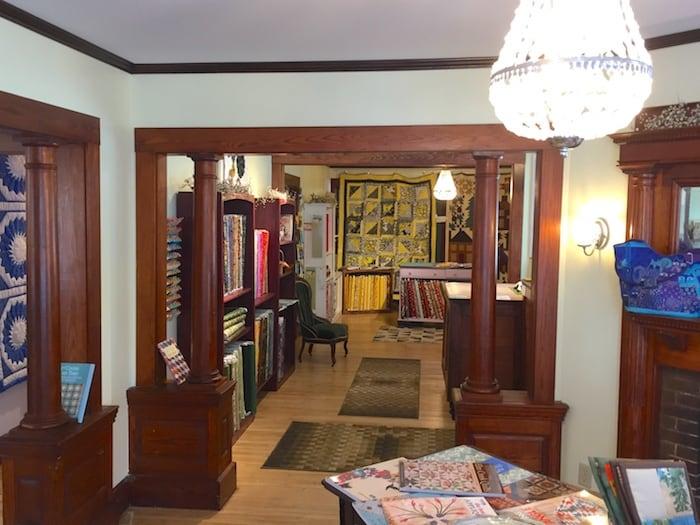 Dark Star Fabrics. an Elegant Quilt Shop